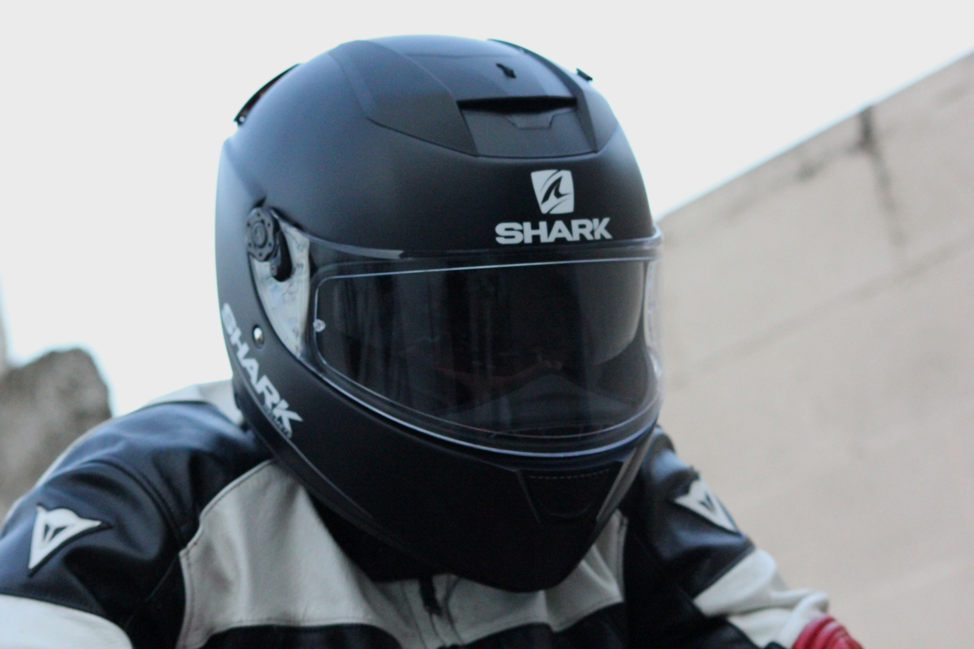 Shark Speed R 2 pantalla solar