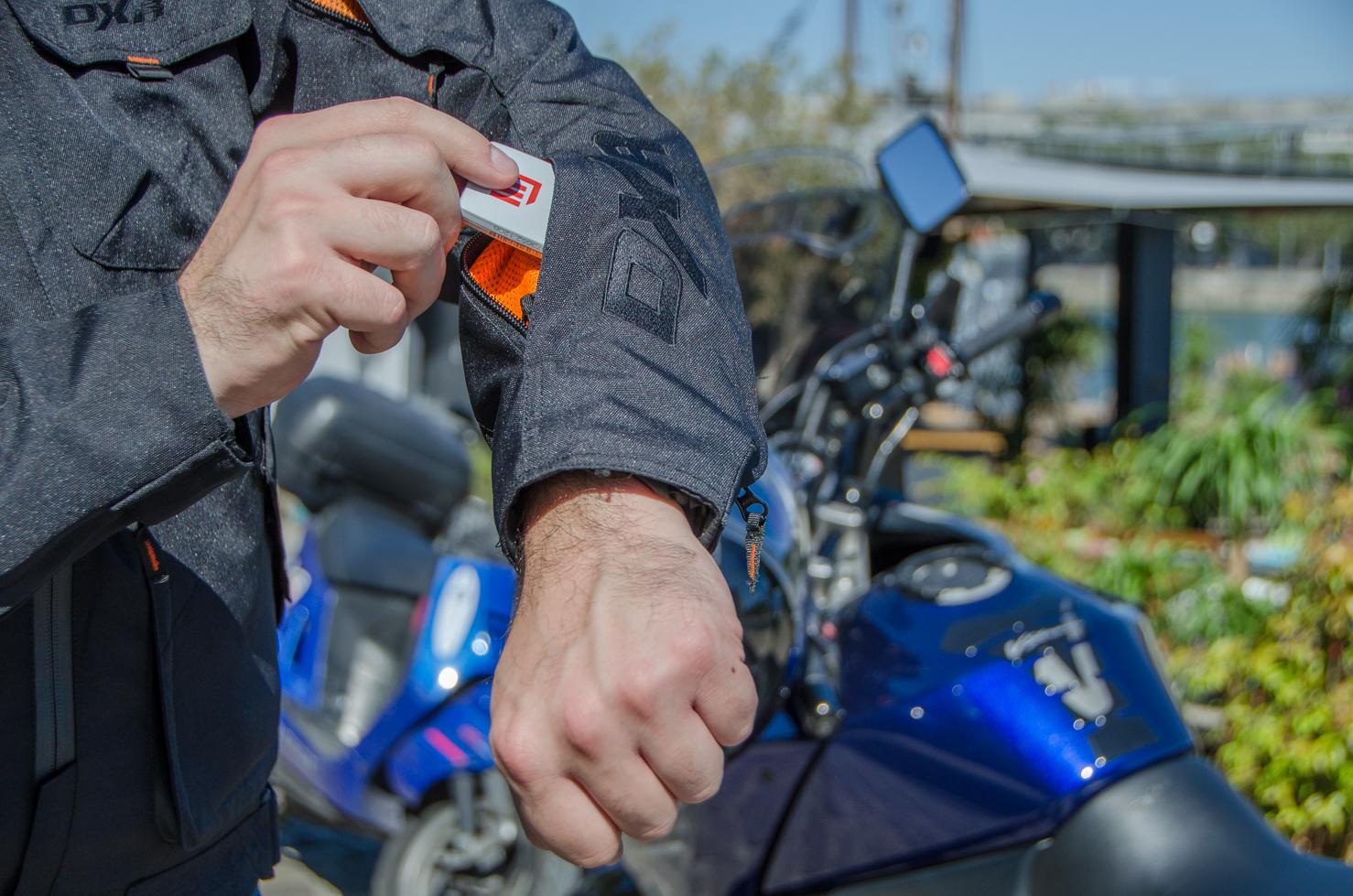 bolsillo practico chaqueta moto