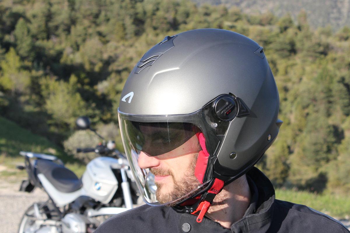 casco astone mini jet s pantalla puesto
