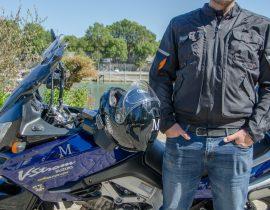 Chaqueta moto puesto