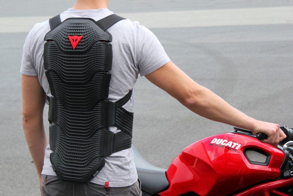 Elegir bien tu espaldera de moto