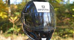 vista frontal casco shark