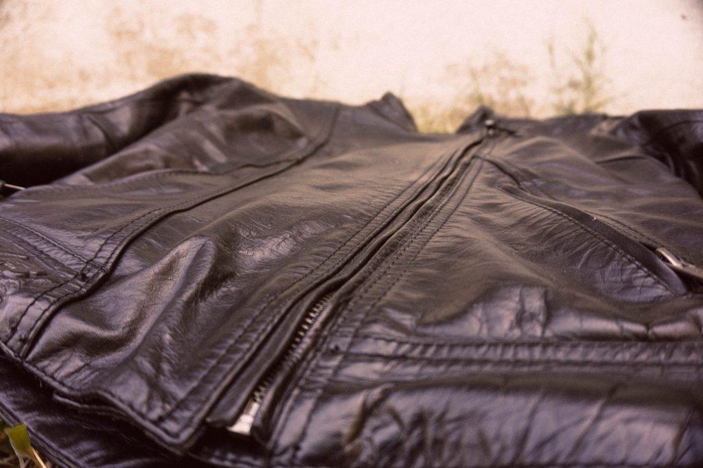 Chaqueta cuero moto DXR Diana cremallera detalle