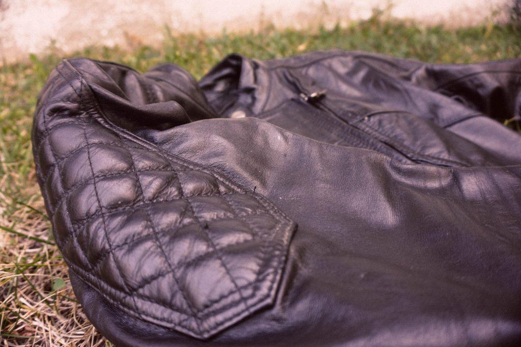 Chaqueta cuero moto DXR Diana proteccion hombro