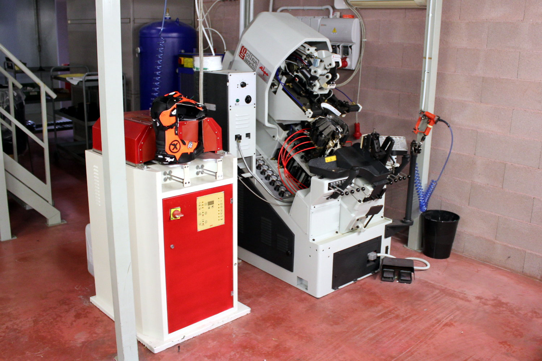 Maquina fabricacion botas moto