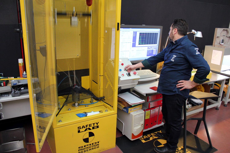 El banco de pruebas de impacto, dirigida por Pietro Zanetti, I + D Spidi