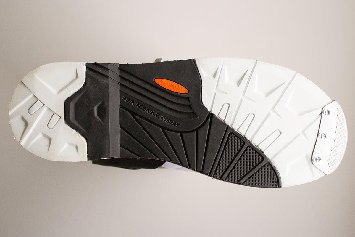 El agarre de la suela de las botas de moto es un factor importante en la comodidad y la seguridad
