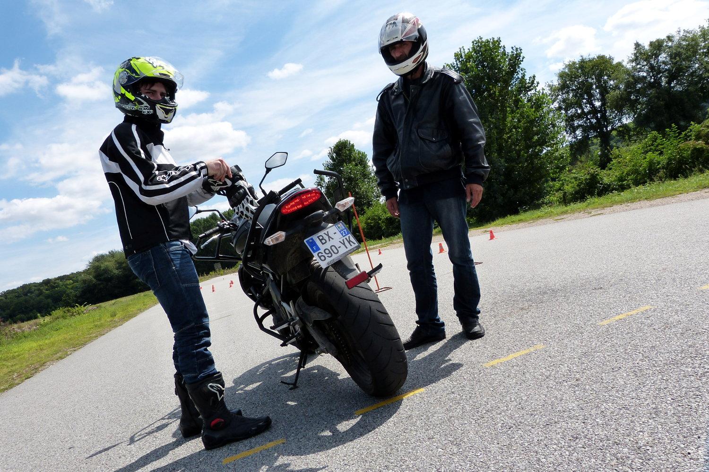 Aprobar licencia moto