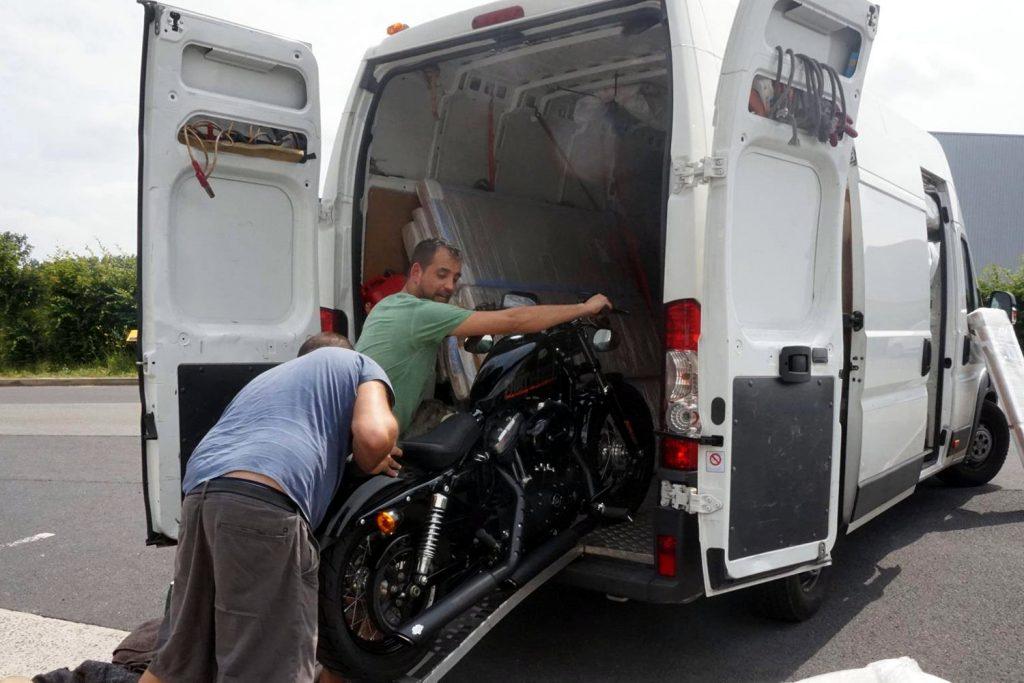 Cargar moto Bruno Espana