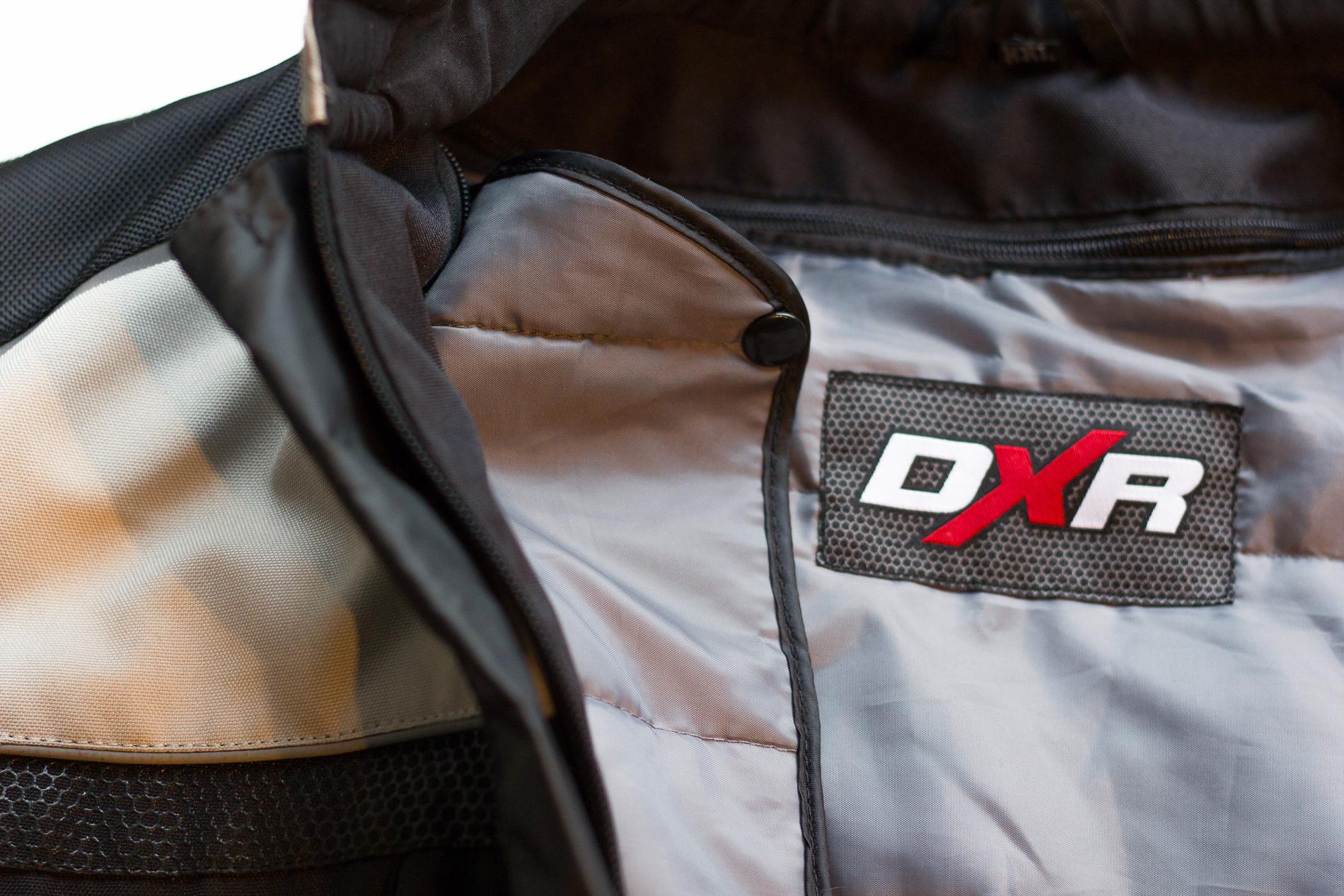 Un pequeño punto de la chaqueta de DXR Roadtrip débil, el revestimiento es un poco suave en invierno. A combinar con un conjunto DXR Wintercore