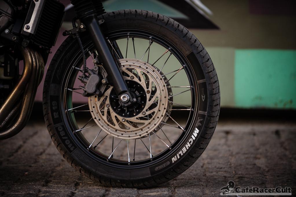 Honda Hornet , rueda delantera