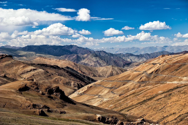 Ladakh también muestra una cara desierto-mineral