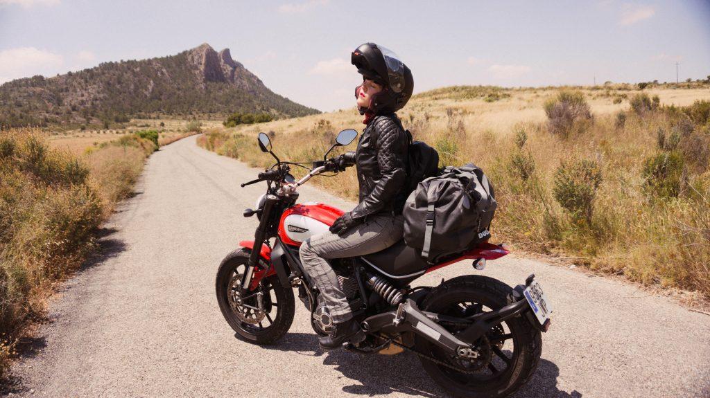 ruta moto andalucia con moto ducati