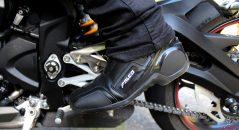 La mitad de las botas Falco Axis 2.1 sabe ser discreta en jeans!