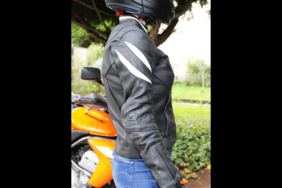 chaqueta de la motocicleta roadster Mujeres diva Racer DXR perfil de pie