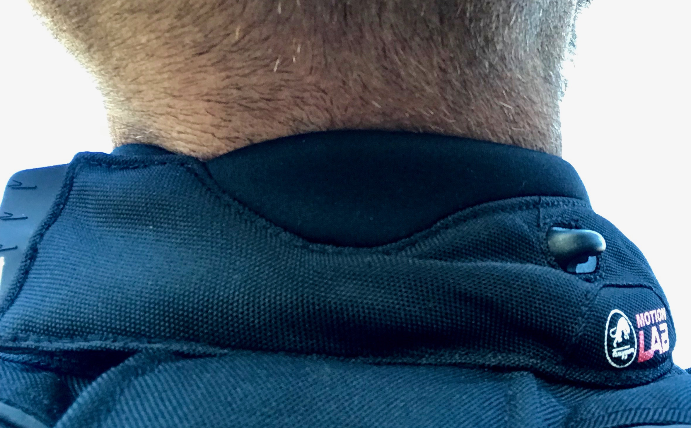 Detalles del collar, con inserción de neopreno