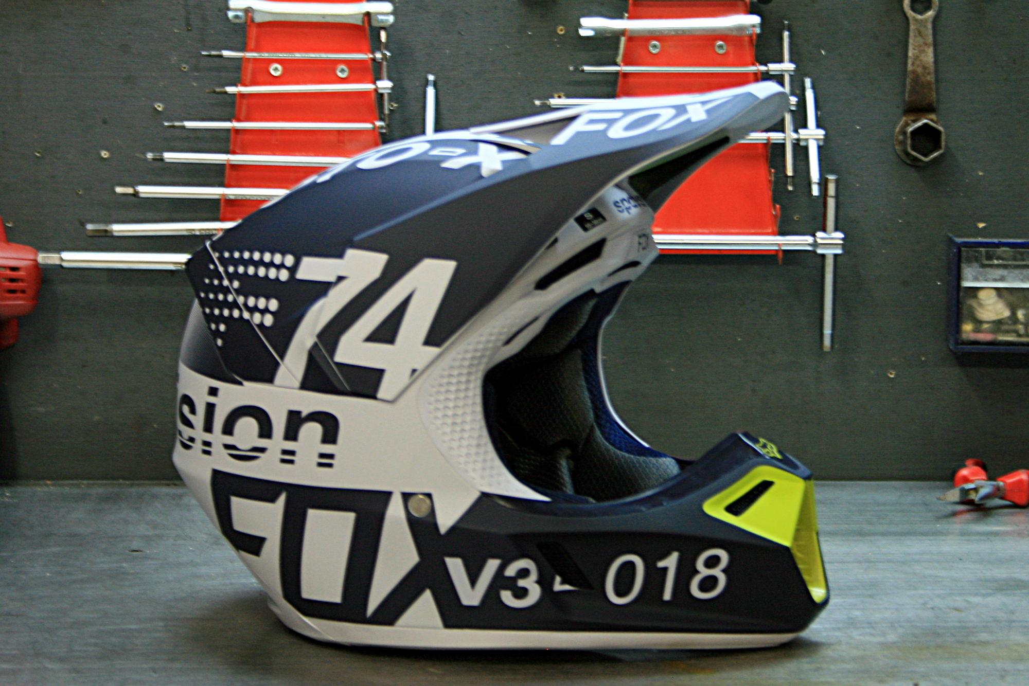 El casco FOX V3 2018, según enmendada DRAFTR