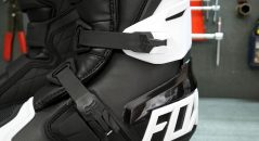 El Fox 180 no tienen sistema de flexión del tobillo, pero esto no los hace menos flexible en la medida en