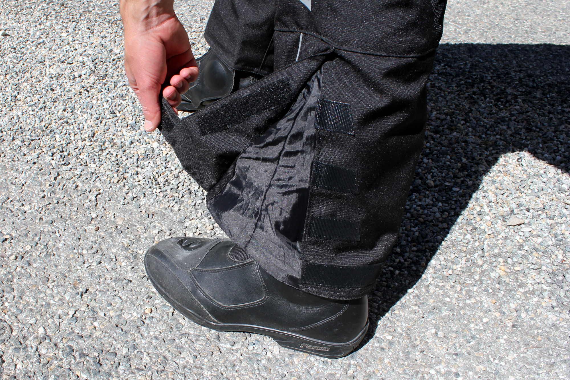 Lo mismo vale para las piernas, proporcionando un sistema de sujeción conveniente y confiable