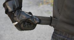 Ajustad la cintura con ayuda de estas cintas de velcro de lo más intuitivas