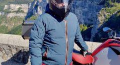 El casco Dexter Electron está equipado con un visor solar interno