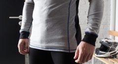La camiseta es muy larga y os cubrirá bien, incluso en postura agachada