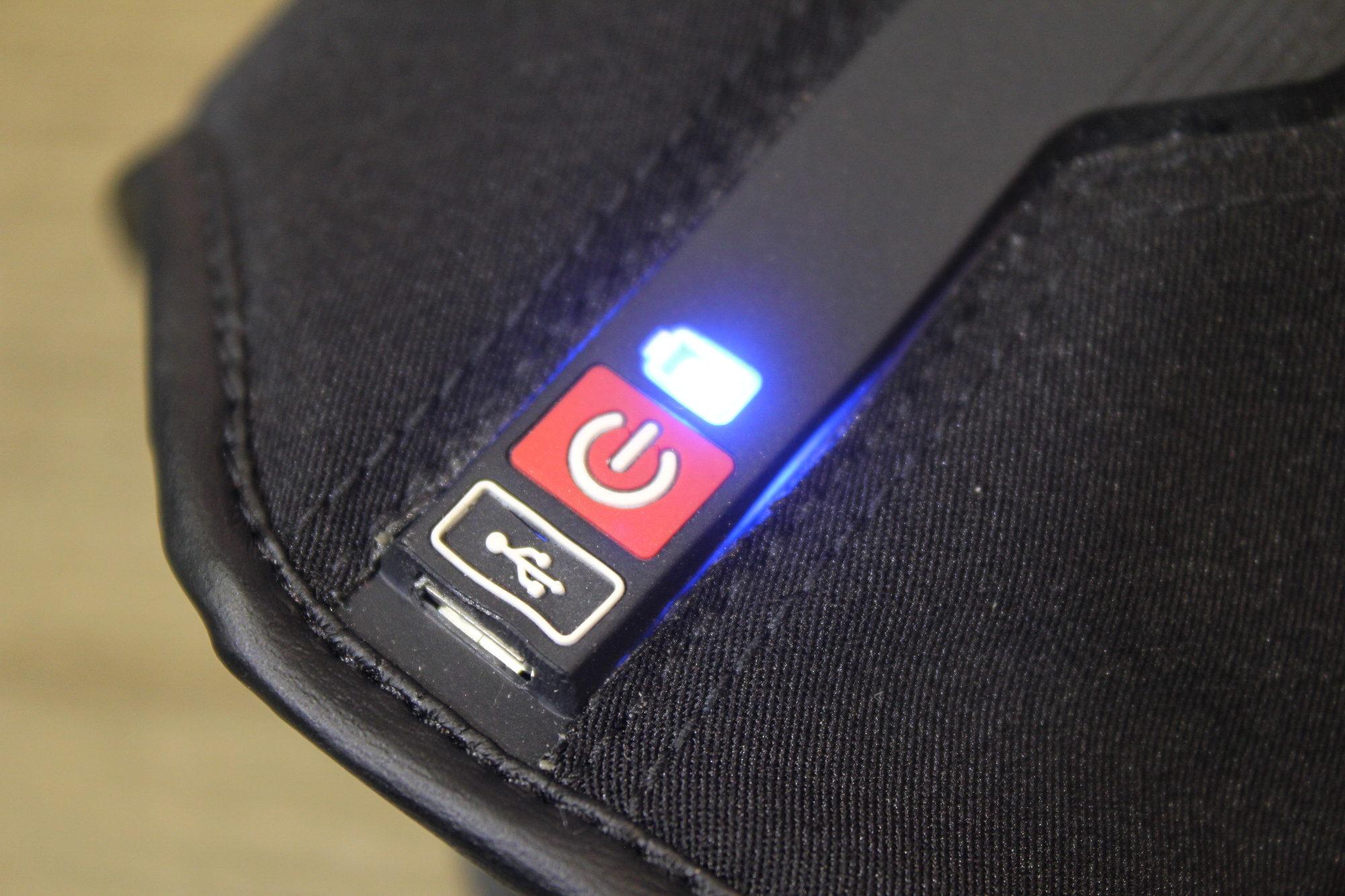 La interfaz de los Liberty Racer es impermeable y dispone de un interruptor y de un indicador de carga