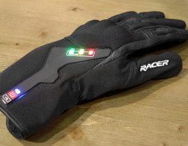 El prototipo de guantes de motocicleta conectado libertad Racer que advierte de los peligros