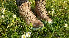 Al cuero de las zapatillas Emerald Ladies le sienta muy bien el sol