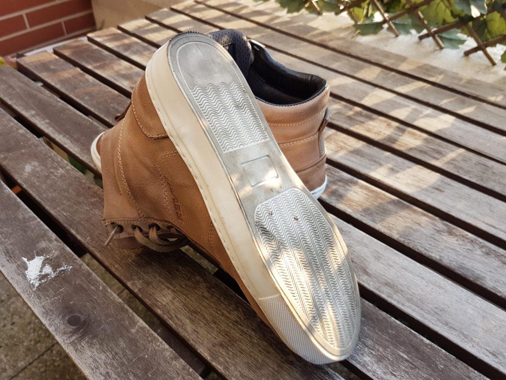La suela de estas zapatillas REV'IT! fue diseñada para enfrentarse a suelos resbaladizos