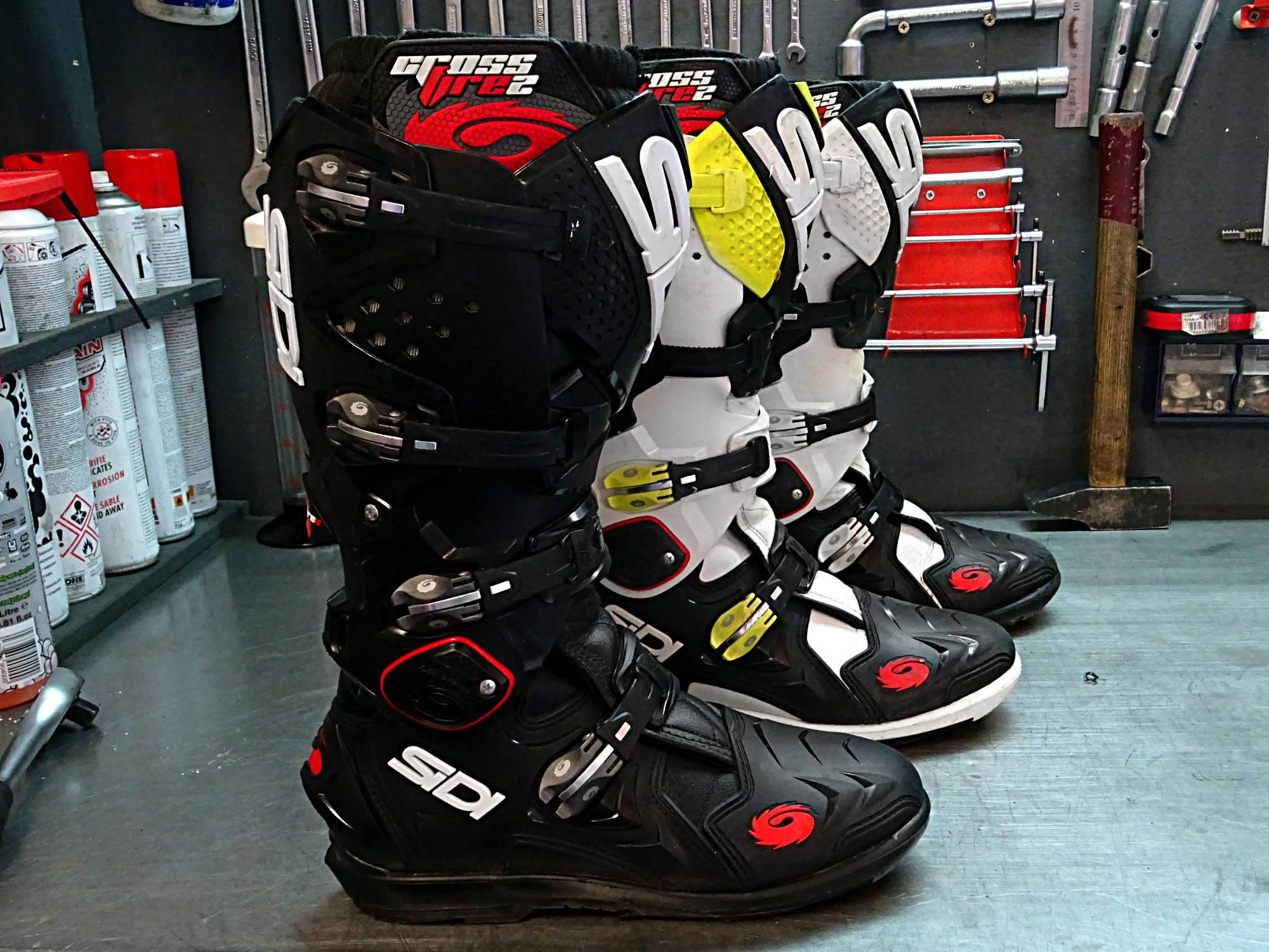 Las botas Sidi Crossfire 2 SRS lucen un estilo impresionante y están disponibles en una gran variedad de colores