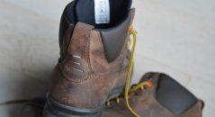Vista posterior de estos zapatos para moto Falco Patrol