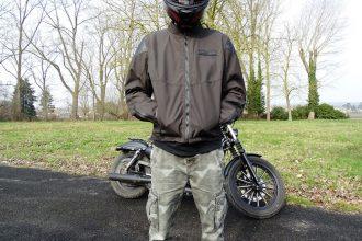Los bolsillos de la chaqueta del icono Squalborn 1000 son suficientemente amplias y confortables