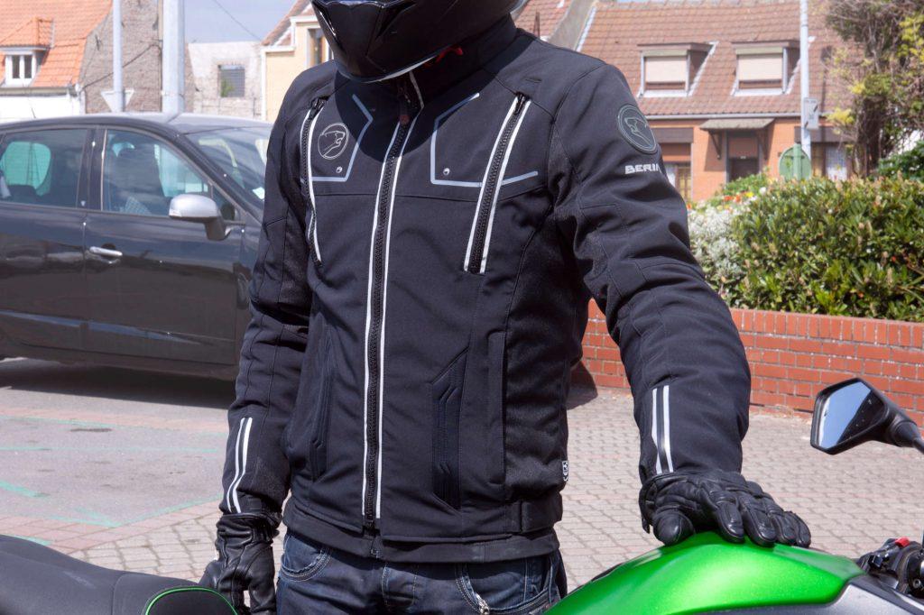equipacion-moto-cuero-textil