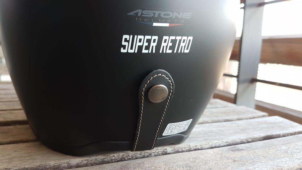Casco Astone SUPER RETRO puesto