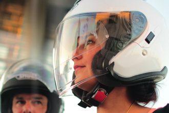 Cada vez encontramos más modelos de cascos equipados de serie con Pinlock